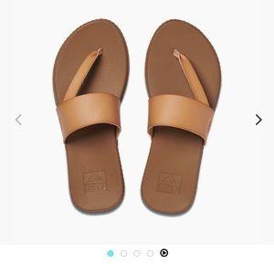 BRAND NEW! Cushion Reef Women's Sandal!